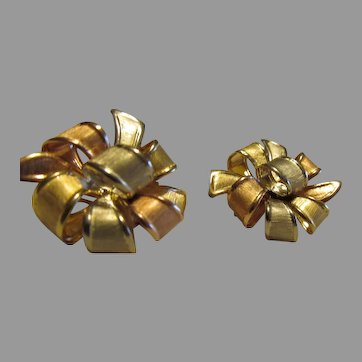 Nice 14K  Tri colored gold Ribbon Earrings Spectacular