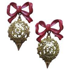 Pair of ART hanging ornaments pins So Cute