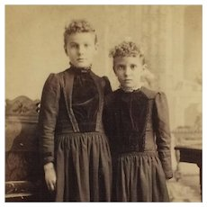 Cabinet Card- Sisters Alike, Sisters Together