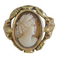 Antique Shell Cameo ring, 18 k yellow gold, 19th century