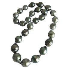 Vintage cultured silver gray South Sea pearl necklace, ca. 1960
