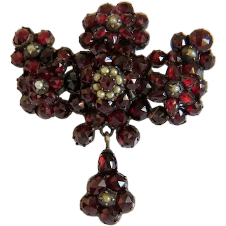 Victorian Garnet brooch, gilt silver, 19th century