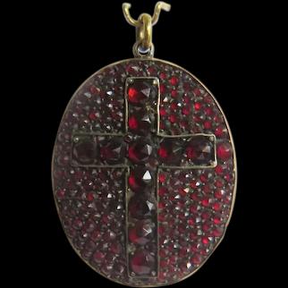 Antique oval Garnet pendant, early 19th century