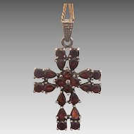 Vintage Garnet cross pendant set in 925 silver, ca 1930