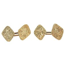 Pair of 14k yellow gold cufflinks with fine engravings, ca. 1930