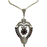 Art Nouveau Garnet and Marcasite pendant, silver 925, ca.1910