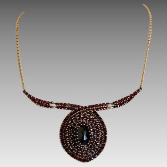 Antique Garnet necklace, gilt silver, ca. 1900
