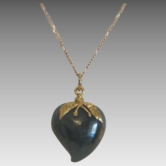 Vintage Nephrite heart pendant  with 14k yellow gold chain, 20th century