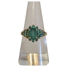 Vintage Emerald ring set in 14k yellow gold, ca.1950