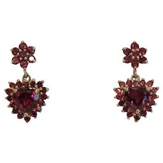Vintage Garnet ear studs, 14k yellow gold, ca. 1960