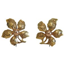 Vintage 14k yellow gold flower earrings, ca. 1950