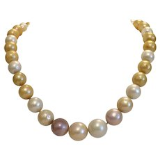 Vintage strand of cultured freshwater pearls, ca. 1970