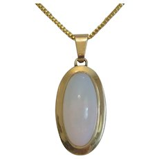 Vintage Opal cabochon pendant, 14 k yellow gold, ca. 1960