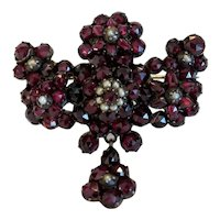 Victorian Garnet brooch, 9k yellow gold, 19th century