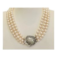 Vintage freshwater pearl necklace , ca. 1960