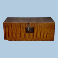 New England Paint Decorated Pine Box, Circa 1825