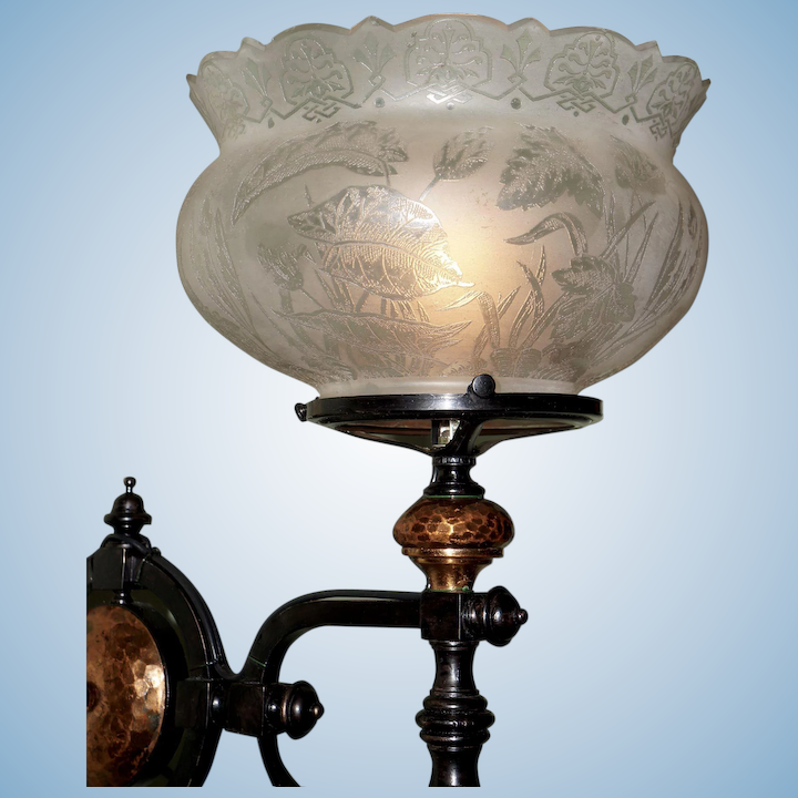 sale retailer 1d536 2621d Unique Eastlake Gas Wall Sconce with Period Shade