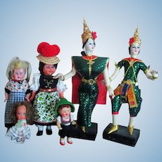 Group of 6 various International dolls