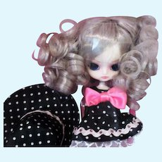 Jun Planning little Mad Hatter ( Little Dal doll) in original box