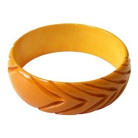 Deeply Carved Butterscotch Bakelite Bangle