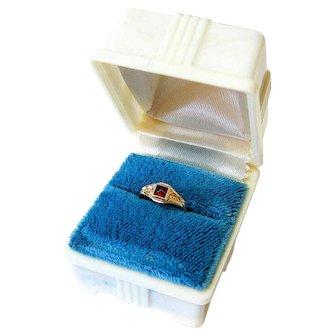 Art Deco Sugarloaf Garnet 14k Yellow Gold Baby Ring with Presentation Box