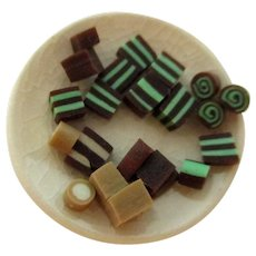 MINIATURES:   Tiny Porcelain Plate and Candy Pieces