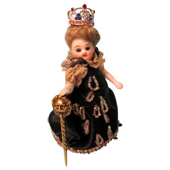"The ""Queen""  Mignonette - Fully Jointed - All Original"