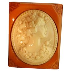 Cameo Pin - Old - Large