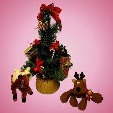 "13""Decorated  Christmas Tree & Reindeer"