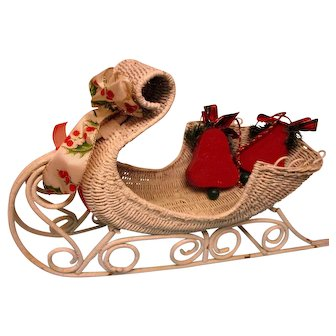 Vintage White Wicker Sleigh - Quite Elegant!