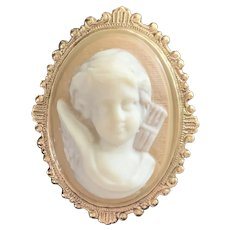 Lovely Vintage Porcelain Costume Cameo Brooch Pin of Cupid