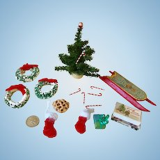 Miniature Dollhouse Christmas decorations