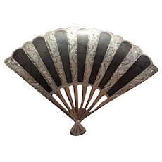 Vintage Siam Sterling Silver Etched Niello Fan Pin