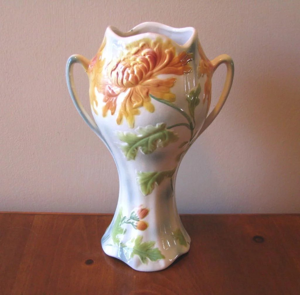 vintage faience chrysanthemum urn vase from st clement france whimsicalvintage ruby lane. Black Bedroom Furniture Sets. Home Design Ideas