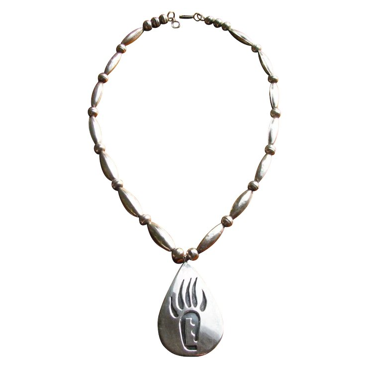 Vintage navajo sterling bear claw pendant necklace from tom bahe vintage navajo sterling bear claw pendant necklace from tom bahe mozeypictures Image collections