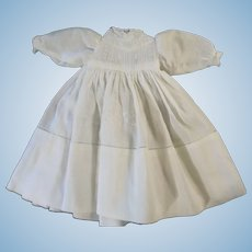 """Beautiful White Vintage  10"""" Hand Made Doll Dress"""