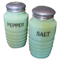 Jeannette Jadeite Ribbed Salt And Pepper Shakers, Circa 1930