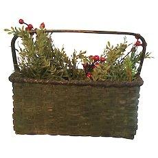 19th Century Windsor Green Basket - Wonderful Offering