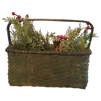 19th Century Windsor Green Basket - Wonderful Offering