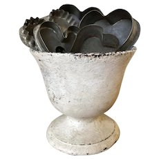 Early Oyster White Urn - Cast Iron w/Early Heart Cookie Cutters