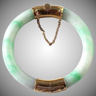 Vintage Natural Chinese Jadeite Jade 14K Hinged Bangle, Chow Sang Sang