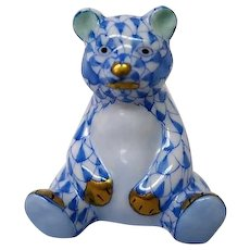 Hand Painted Herend Fishnet Sitting Bear Figurine