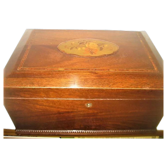 Fantastic Wooden Inlay Box with Floral Inlay Design