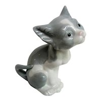 Lladro Gray and White Sitting Porcelain Kitten, Cat Figurine