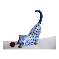 Herend Hand Painted Fishnet Large Cat with Ball Figurine