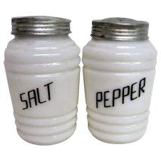Pair Hazel Atlas Beehive Salt and Pepper Range Shakers