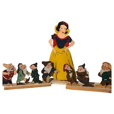 Snow White and 7 Dwarfs Wood Store Display