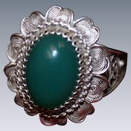 800 Silver Filigree Petals and Chrysoprase Ring Vintage Italian 1950's Size 7
