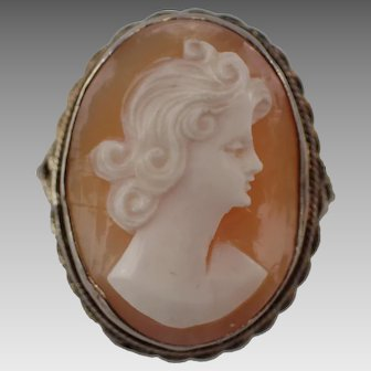 Pretty Vintage Cameo Ring Set in Tested Sterling Mount Size 8