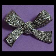 "18K White Gold pave Diamond Bow Pin - ""Ramon"""